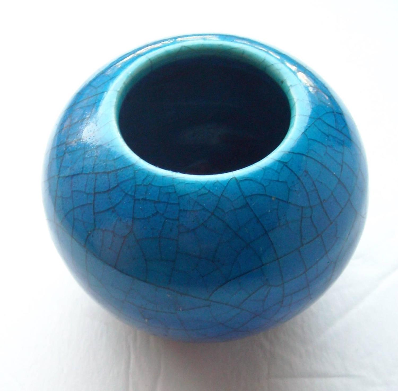 Glen Lukens Rare Ceramic Vase With Cracked Glaze Blue Signed For Sale At 1stdibs
