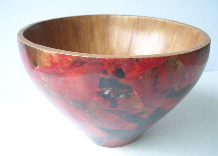 Very nice and elegant bowl/centerpiece by R & Y Augousti. Marked Paris.