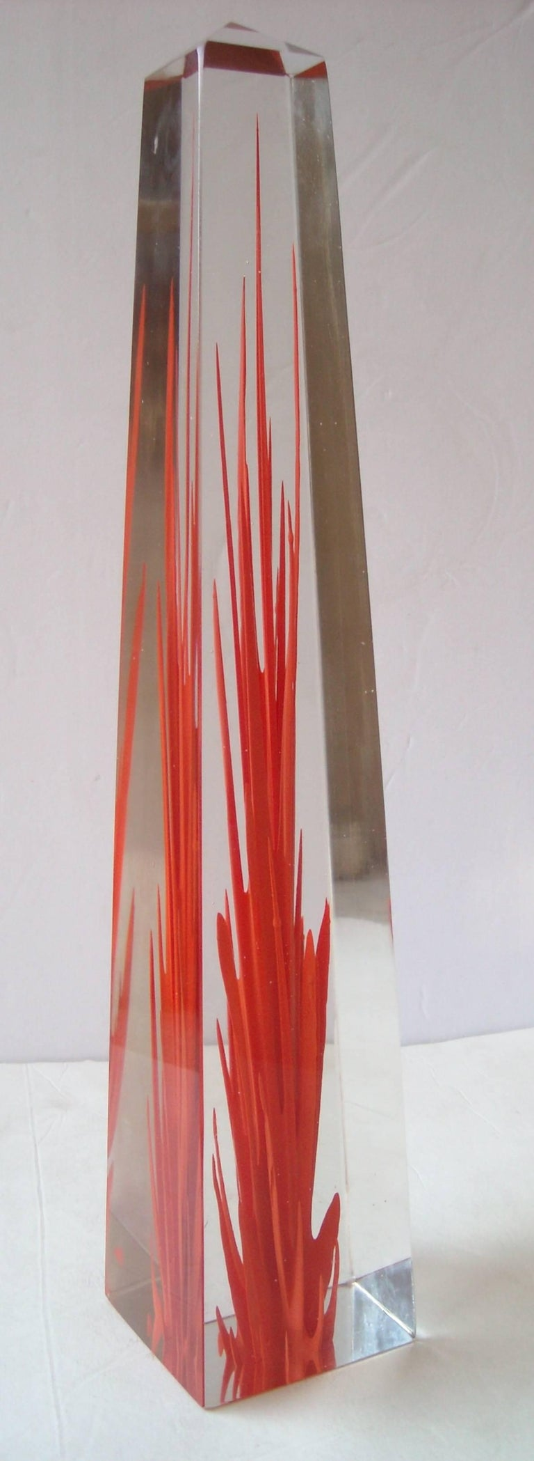 Amazing Murano glass obelisk, made by Venini. This piece is diamond signed and still traces of the original label as shown in pictures. (Venini, Italia).
