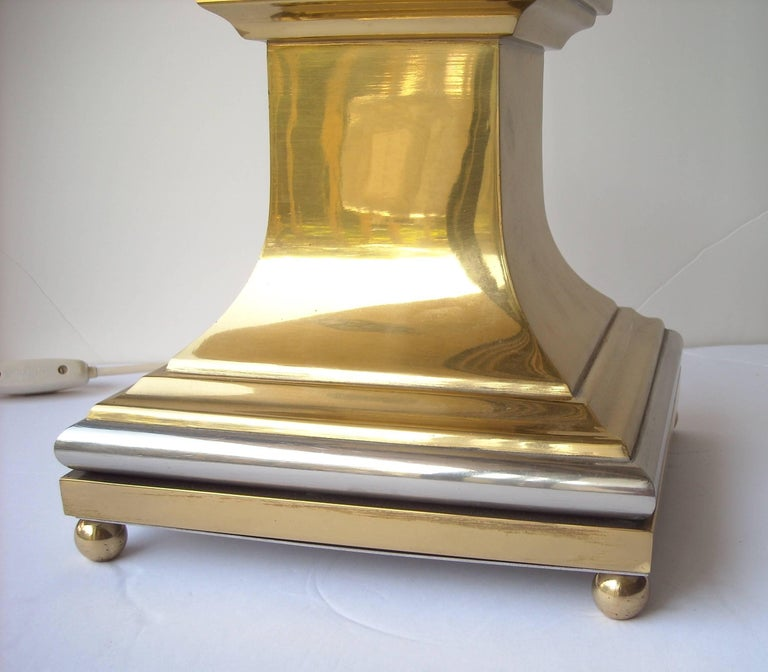 French Maison Jansen Lucite Obelisk Lamp by the Architect Sandro Petti For Sale