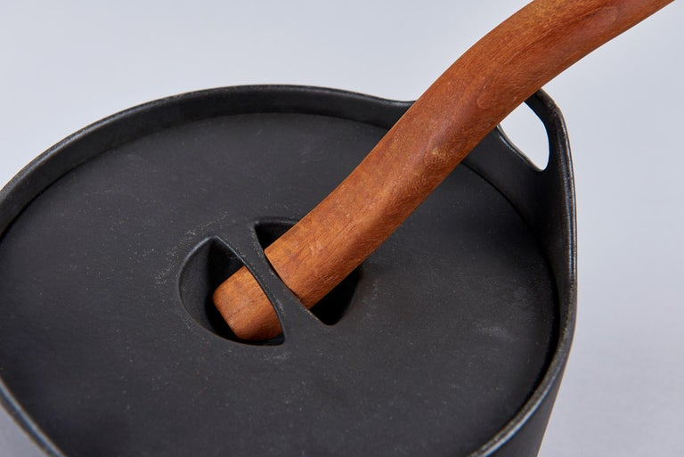 Mid-20th Century Cast Iron Cooking Pot by Timo Sarpaneva For Sale
