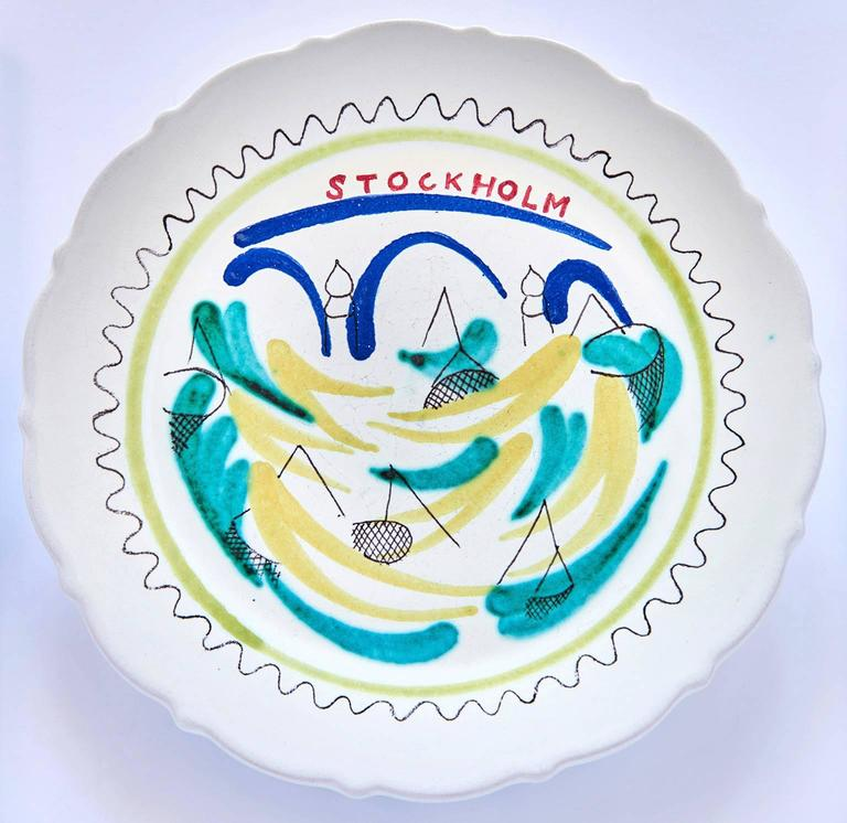 Set of Nine Hand-Painted Faience Dinner Plates by Stig Lindberg In Excellent Condition For Sale In Los Angeles, CA