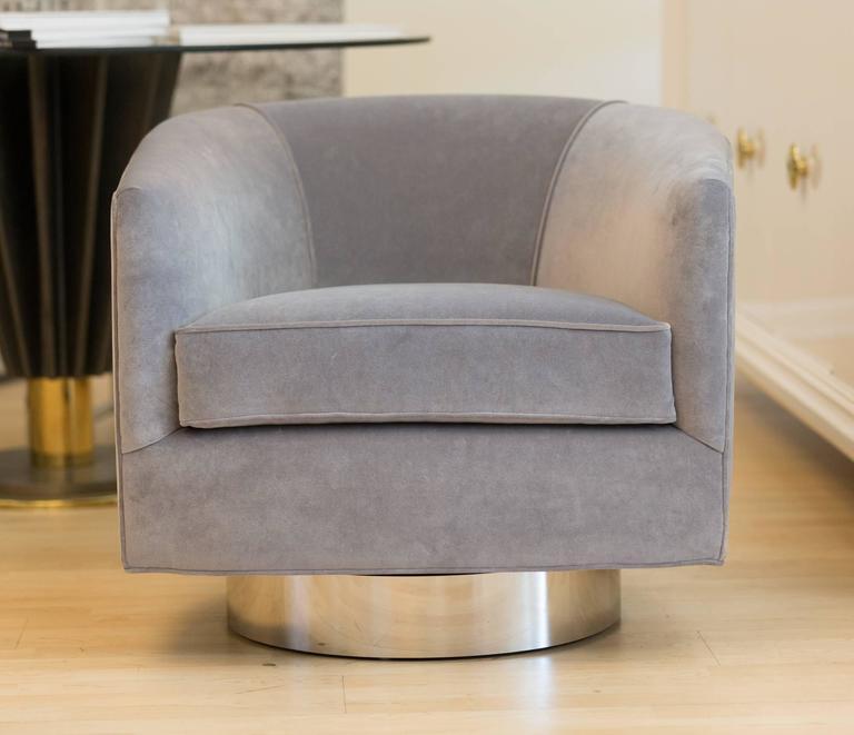 Pair of Milo Baughman Bucket Swivel Chairs 3