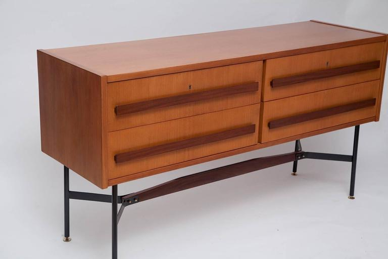 1960s Italian Modernist Sideboard 2