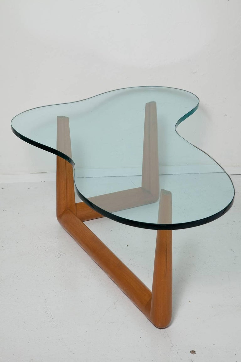 Biomorphic Coffee Table by T. H. Robsjohn-Gibbings, circa 1955 In Good Condition For Sale In North Miami, FL