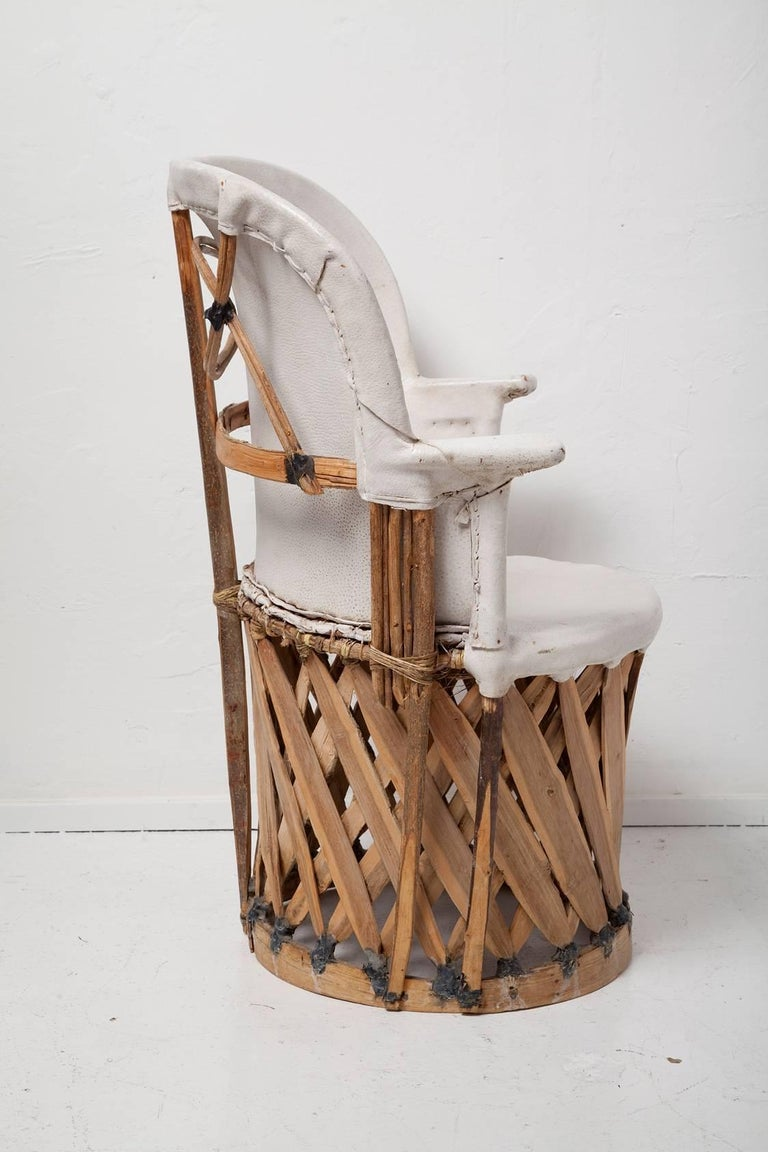 Pair of Vintage White Leather Equipale Chairs In Distressed Condition For Sale In North Miami, FL