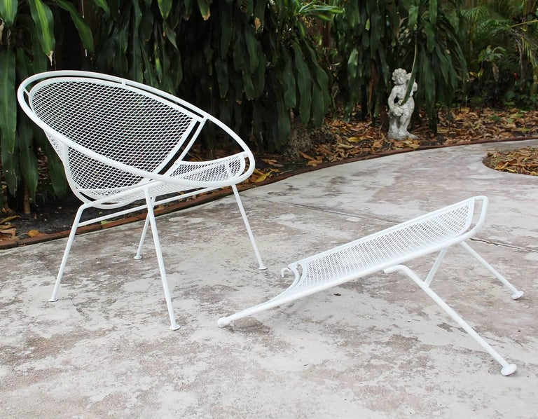 American Pair of Loungers with Detachable Foot Rests by Maurizio Tempestini for Salterini For Sale