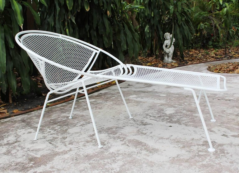 Mid-Century Modern Pair of Loungers with Detachable Foot Rests by Maurizio Tempestini for Salterini For Sale