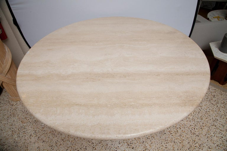 1970s Italian Travertine Center or Dining Table in the Style of Mario Bellini For Sale 2