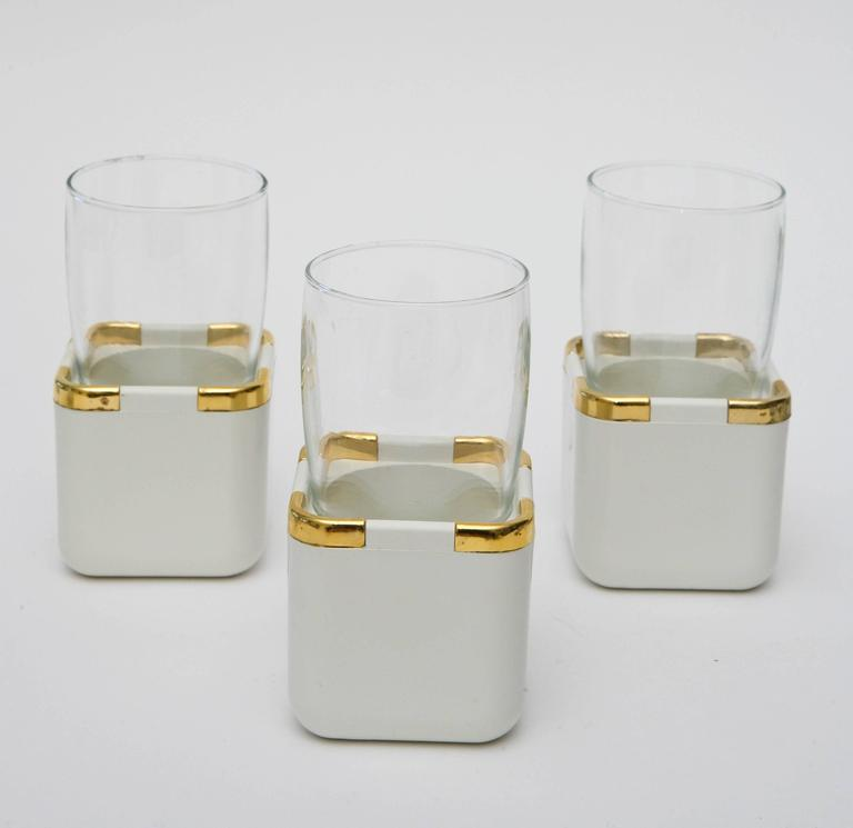 Set of 17 Resin, Glass and Gold-Plated Garden Drinking Glasses Barware In Good Condition For Sale In North Miami, FL