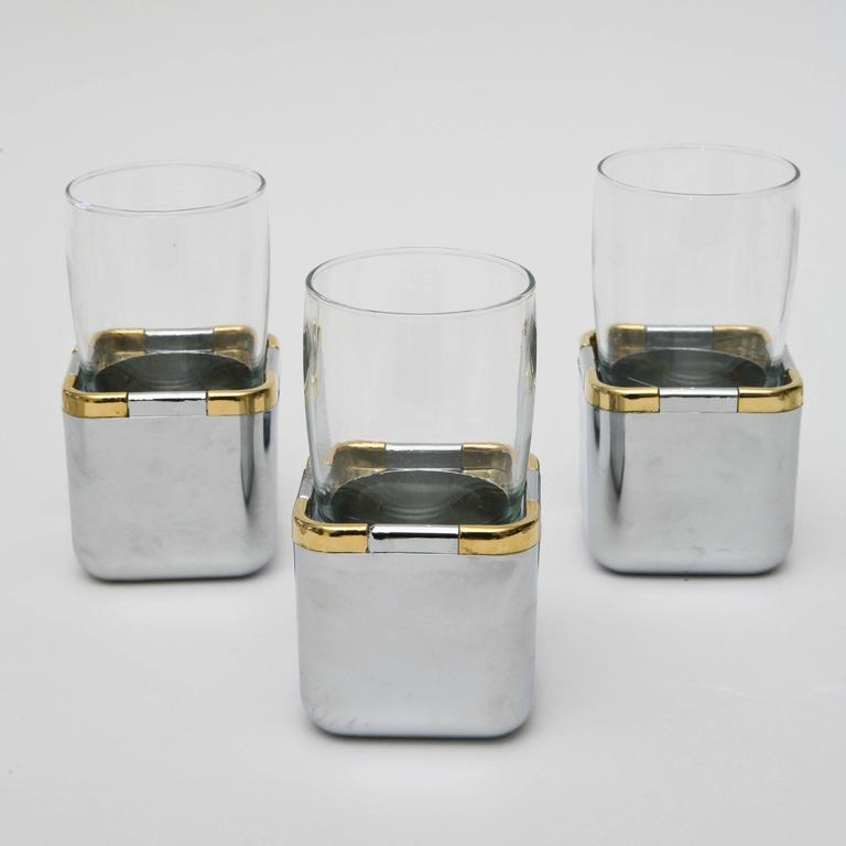 Late 20th Century Set of 17 Resin, Glass and Gold-Plated Garden Drinking Glasses Barware For Sale