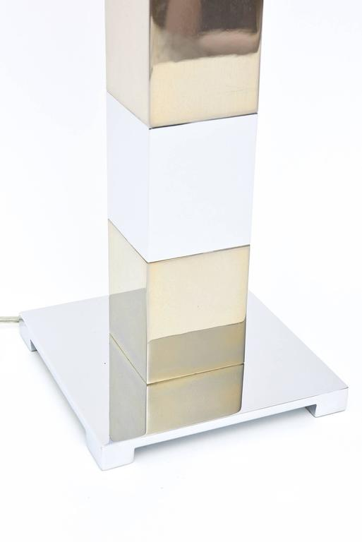 Karl Springer Style Alternating Brass and Chrome Cube Column Table or Desk Lamp In Good Condition For Sale In North Miami, FL