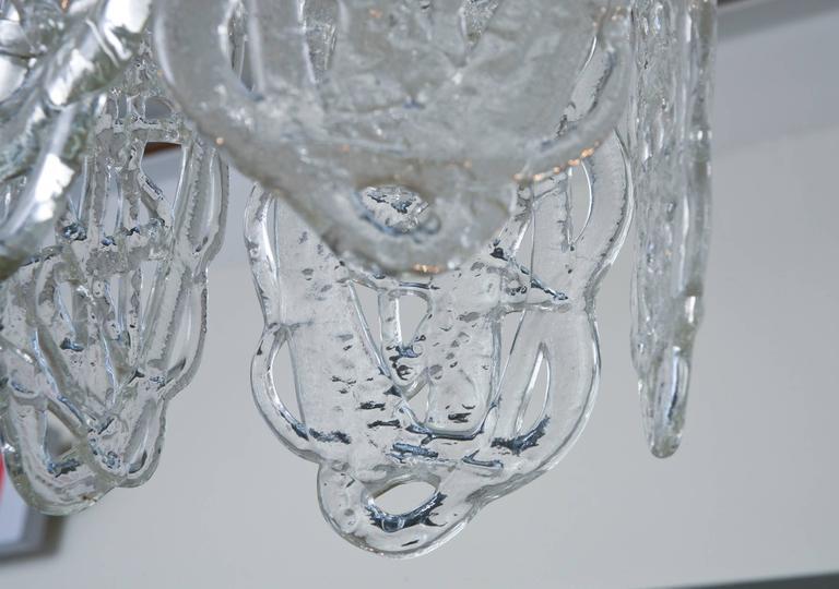 Italian Murano Mazzega Glass Pretzel Pendant Chandelier In Excellent Condition For Sale In North Miami, FL