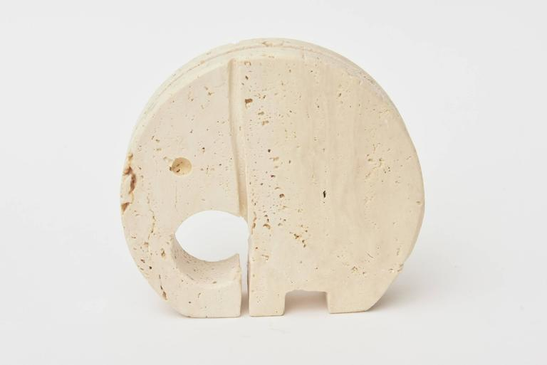 This Mid-Century travertine Italian stone letter holder of a good luck elephant is by the designer Flli Manelli who worked in travertine. Great for a desk accessory or hallway entry.