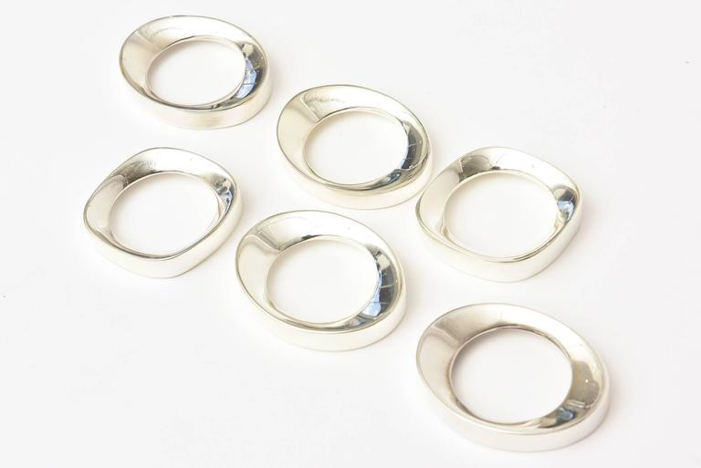 Mid-Century Modern Set of Six Vintage Silver Plate Modernist Sculptural Napkin Rings For Sale