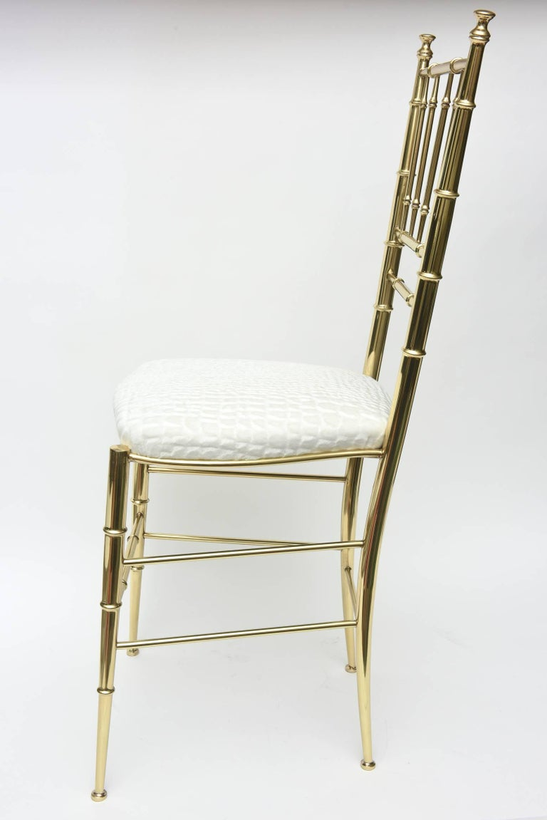 Italian Midcentury Chiavari Faux Bamboo Brass and Upholstered Side Chair  In Good Condition For Sale In North Miami, FL