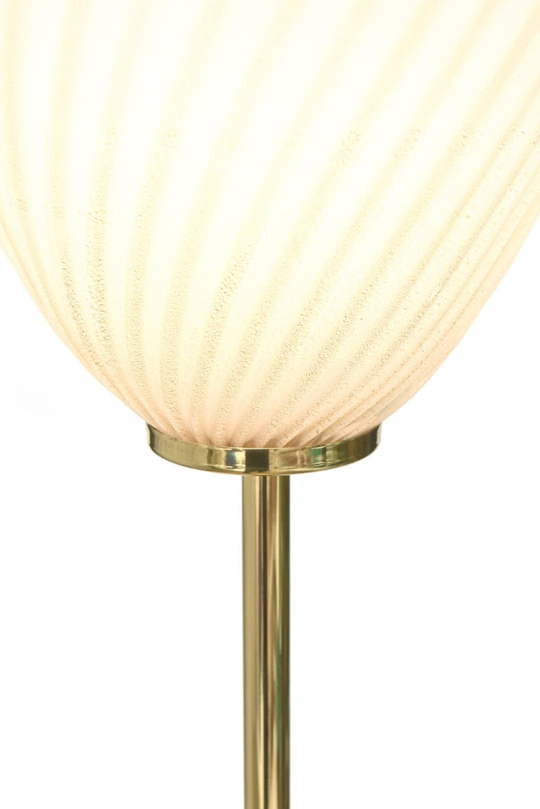 Murano Seguso Glass Floor Lamp with Brass Column Mid-Century Modern For Sale 4