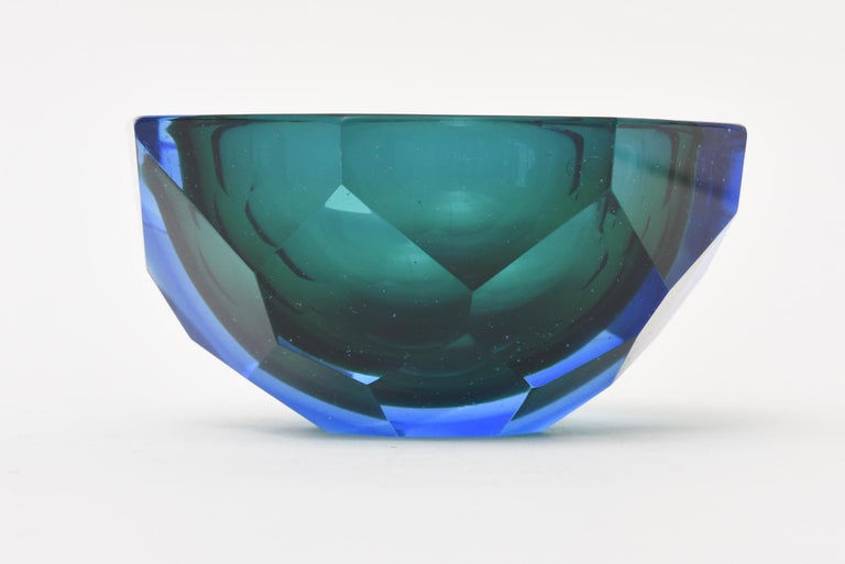 Italian Murano Vintage Diamond Faceted Sommerso Geode Glass Bowl In Good Condition For Sale In North Miami, FL