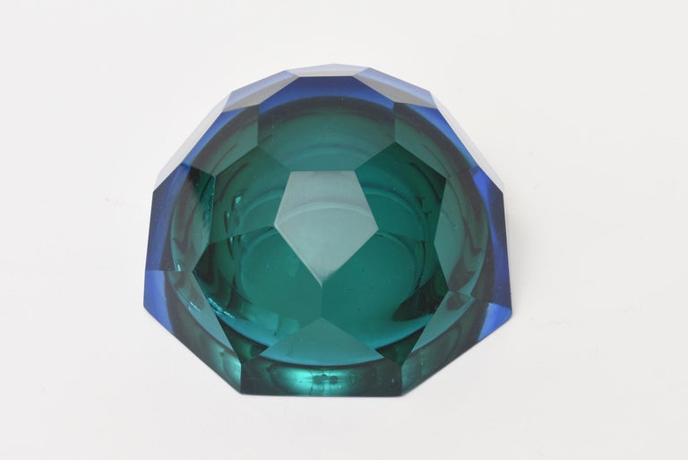 Italian Murano Vintage Diamond Faceted Sommerso Geode Glass Bowl For Sale 4