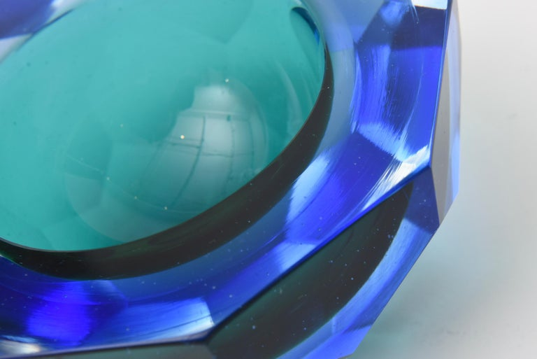 Italian Murano Vintage Diamond Faceted Sommerso Geode Glass Bowl For Sale 3