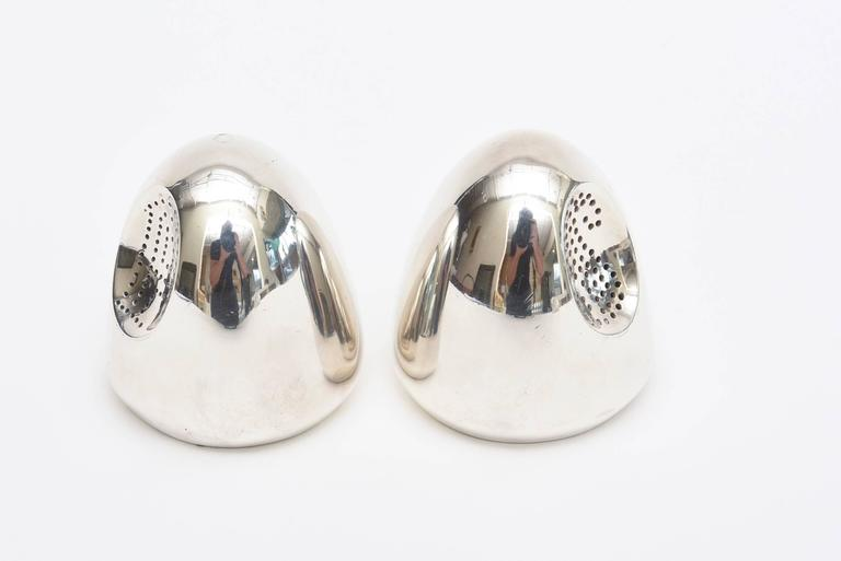 Antonio Pineda Sterling Silver Salt and Pepper Shakers Mid-Century Modern In Good Condition For Sale In North Miami, FL