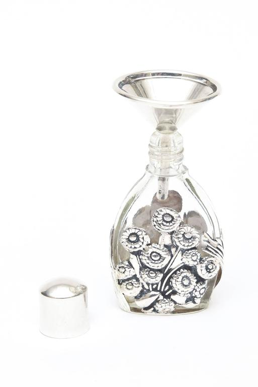French Deco Sterling Silver & Glass Traveling Perfume Bottle and Funnel In Good Condition For Sale In North Miami, FL