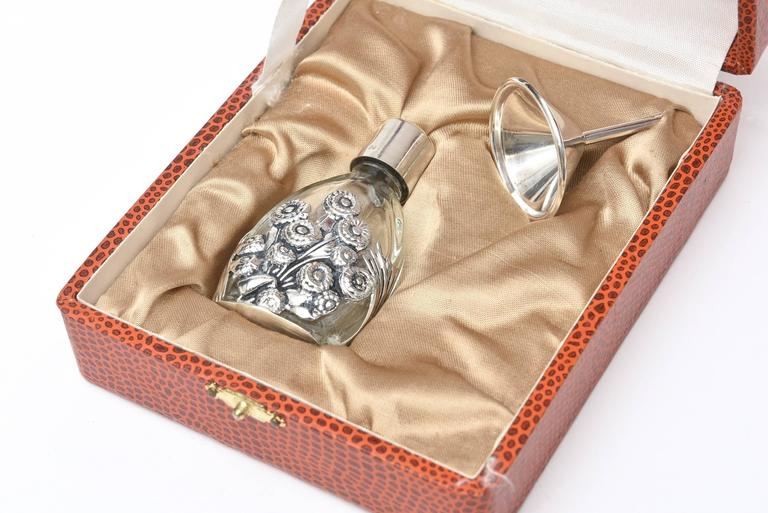 French Deco Sterling Silver & Glass Traveling Perfume Bottle and Funnel For Sale 3