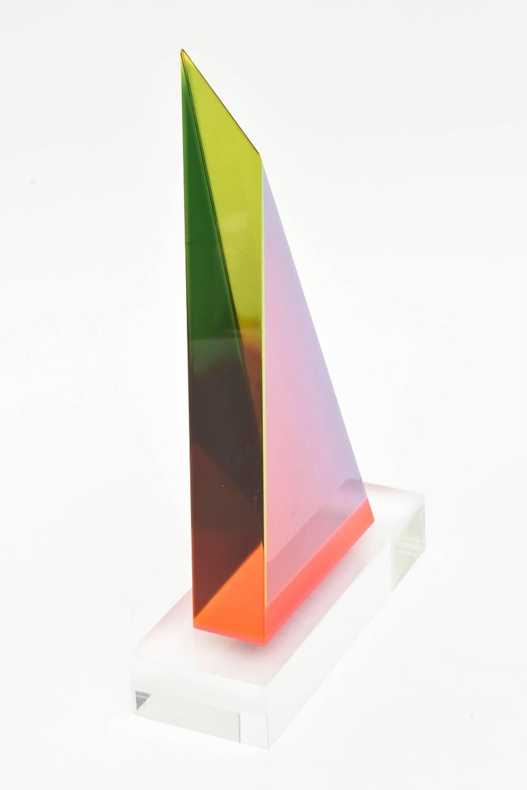 Signed Vasa Mehich Laminated Lucite Triangle Sculpture In Good Condition For Sale In North Miami, FL