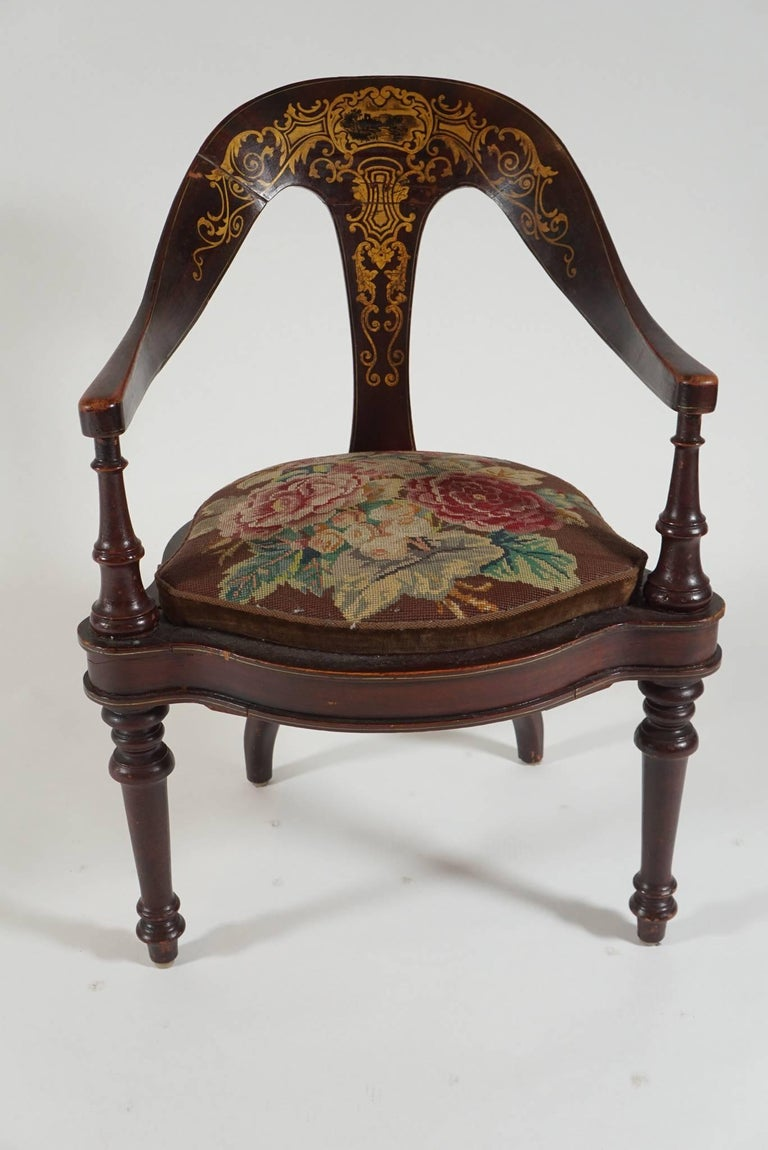Painted Pair of 19th Century Mahogany Spoon Back Chairs For Sale