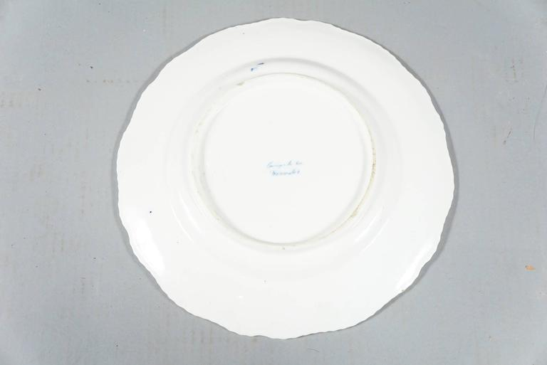 Mid-19th Century Early Worcester Stoneware Eight Dinner Plates For Sale