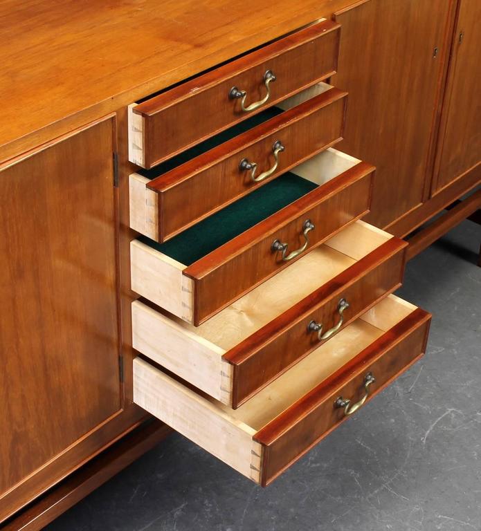 Nice Quality Danish 1940s Cuban Mahogany Sideboard 3