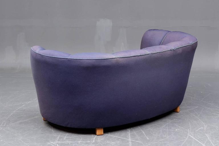 Banana Form Sofa 3