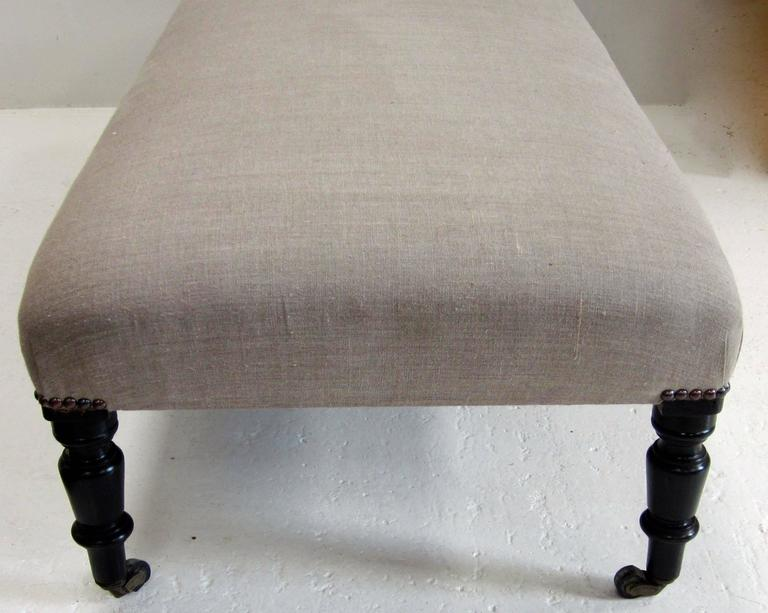 19th Century French Napoleon III Upholstered Foot Stool, France In Excellent Condition For Sale In New York, NY