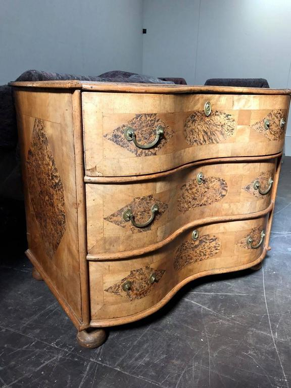 18th Century Burr Root Wood Three Drawer Commode, Bowed Front, Sweden For Sale 3