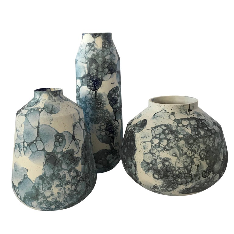 Bubble Design Ceramic Vase, Netherlands, Contemporary In Excellent Condition For Sale In New York, NY