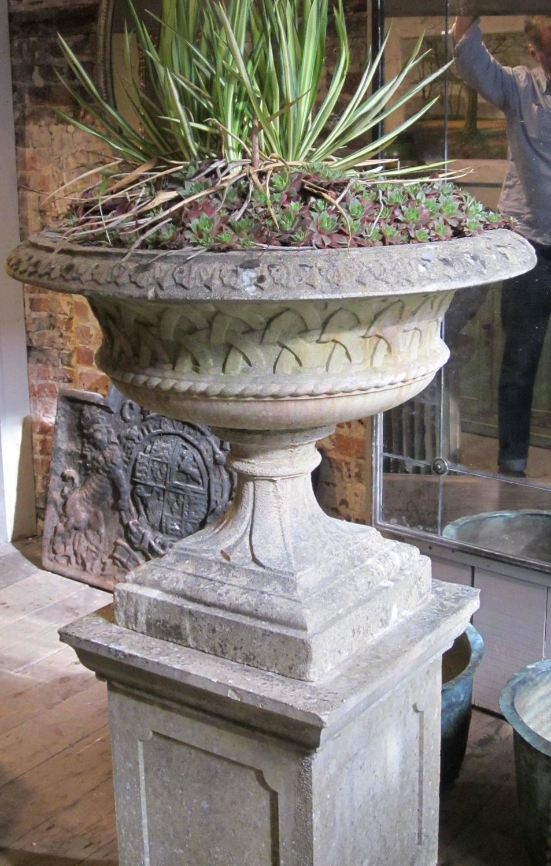 Lattice design garden urn on plinth england 1920s at 1stdibs for Garden design 1920 s