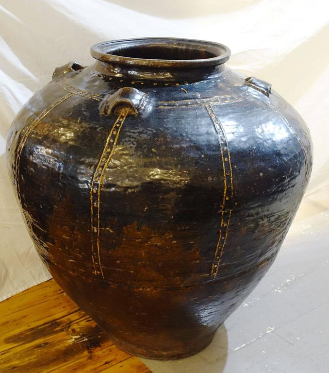 19th Century Chinese Extra Large Black Jug, China For Sale 2