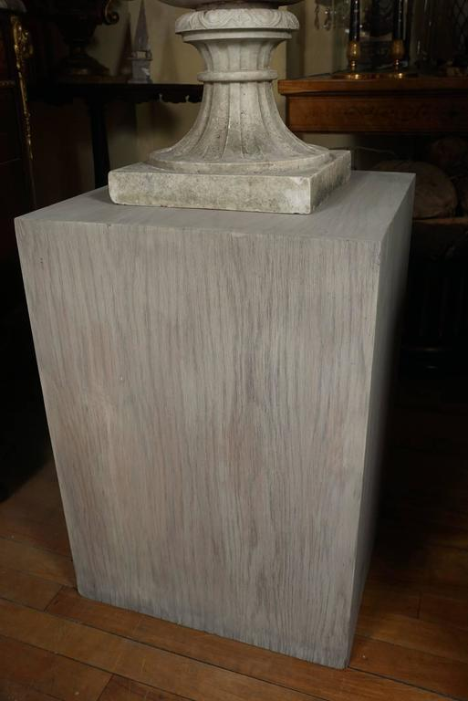 Italian 19th Century Carved White Marble Garden Urn on Limed Walnut Pedestal   For Sale 3