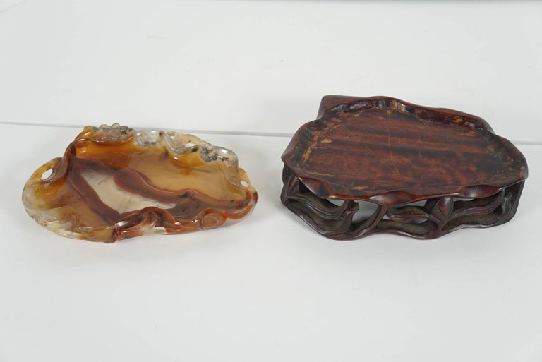 Late 19th-Early 20th Century Carved Chinese Agate Brush Washer on Rosewood Stand For Sale 3