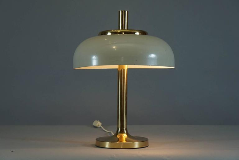 Brass Hildebrand Lamp with Cream Shade 6