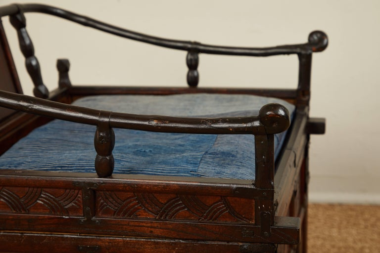 Wood Antique Chinese Sedan Chair For Sale