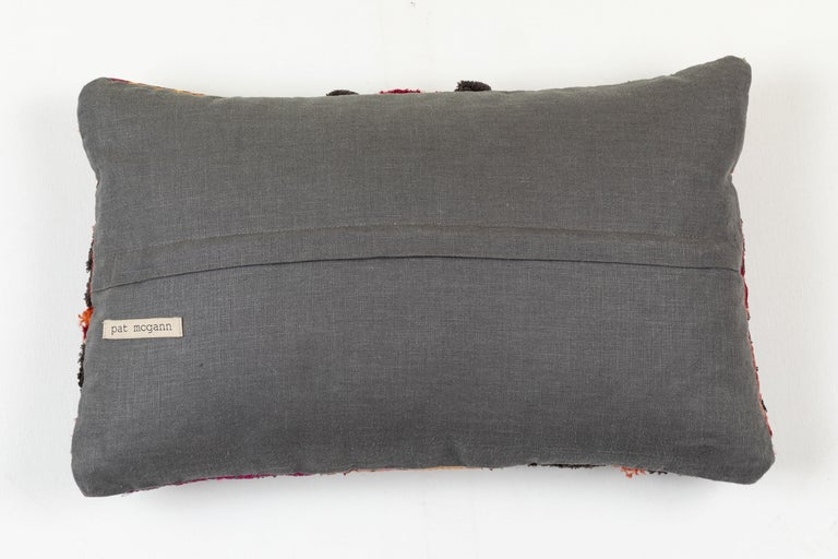 Afghani Pashtun Pillow In Good Condition For Sale In Los Angeles, CA