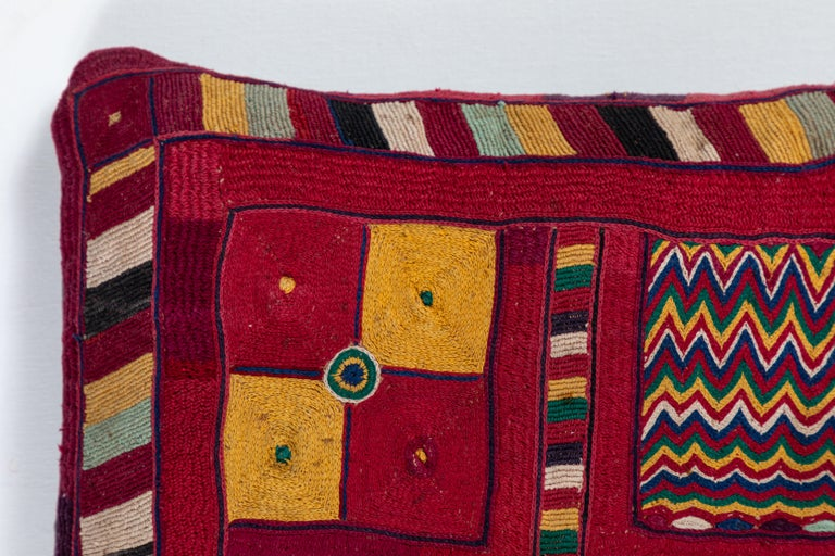 Indian Banjara Embroidered Pillow In Good Condition For Sale In Los Angeles, CA