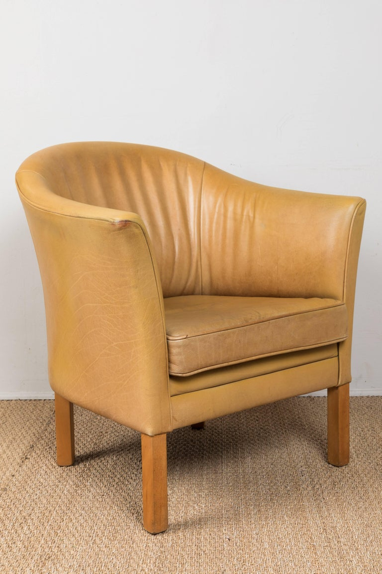Vintage Leather Occasional Chairs In Good Condition For Sale In Los Angeles, CA