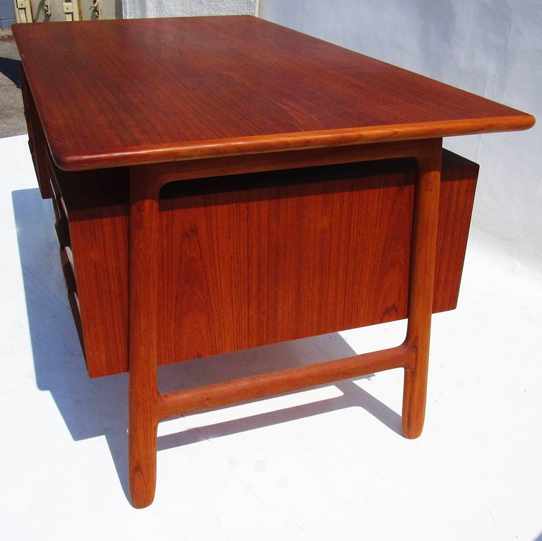 Danish Modern Mid-Century Teak Desk by Gunni Omann In Good Condition For Sale In Los Angeles, CA