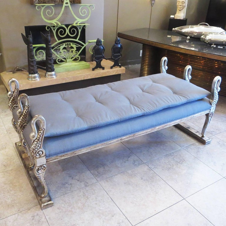 Giltwood Hollywood Regency Daybed with Carved and Gilded Swans For Sale