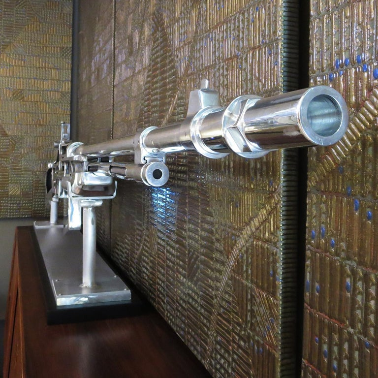 Bar Rifle Oversized Training Display Model In Good Condition For Sale In Los Angeles, CA