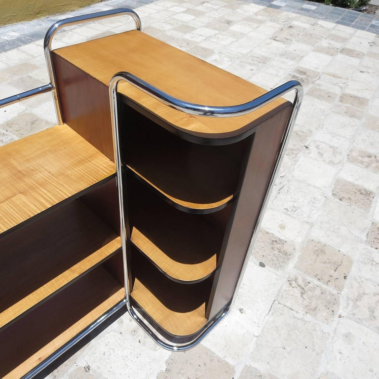 Streamlined Art Deco Corner Cabinet Book Shelf in Chrome and Wood In Excellent Condition For Sale In Los Angeles, CA