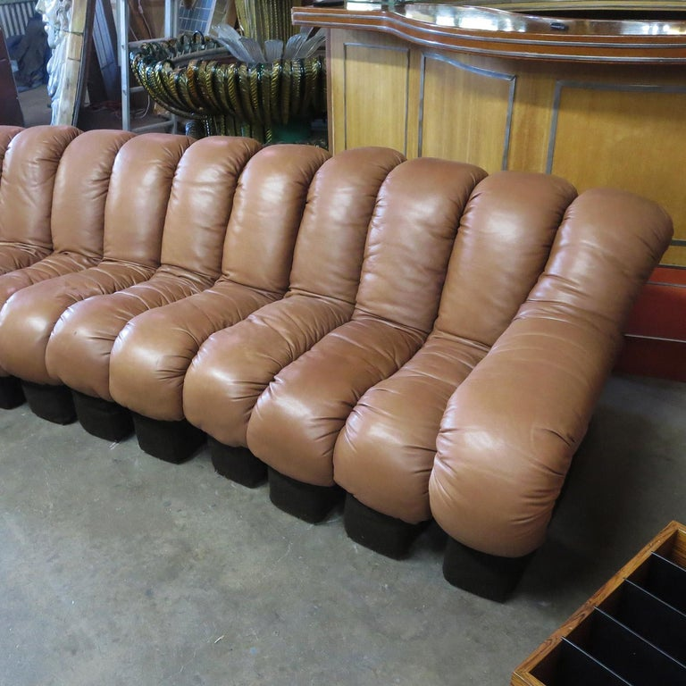 De Sede DS-600 Non Stop Leather Sofa, 16 Sections In Good Condition For Sale In Los Angeles, CA