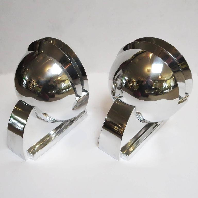 Elegant Art Deco Wall Sconces in Polished Aluminium 5